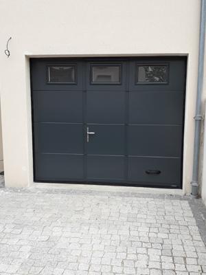 Miroiterie et Menuiseries d'Aunis - La Rochelle - Pose d'une porte de garage sectionnelle