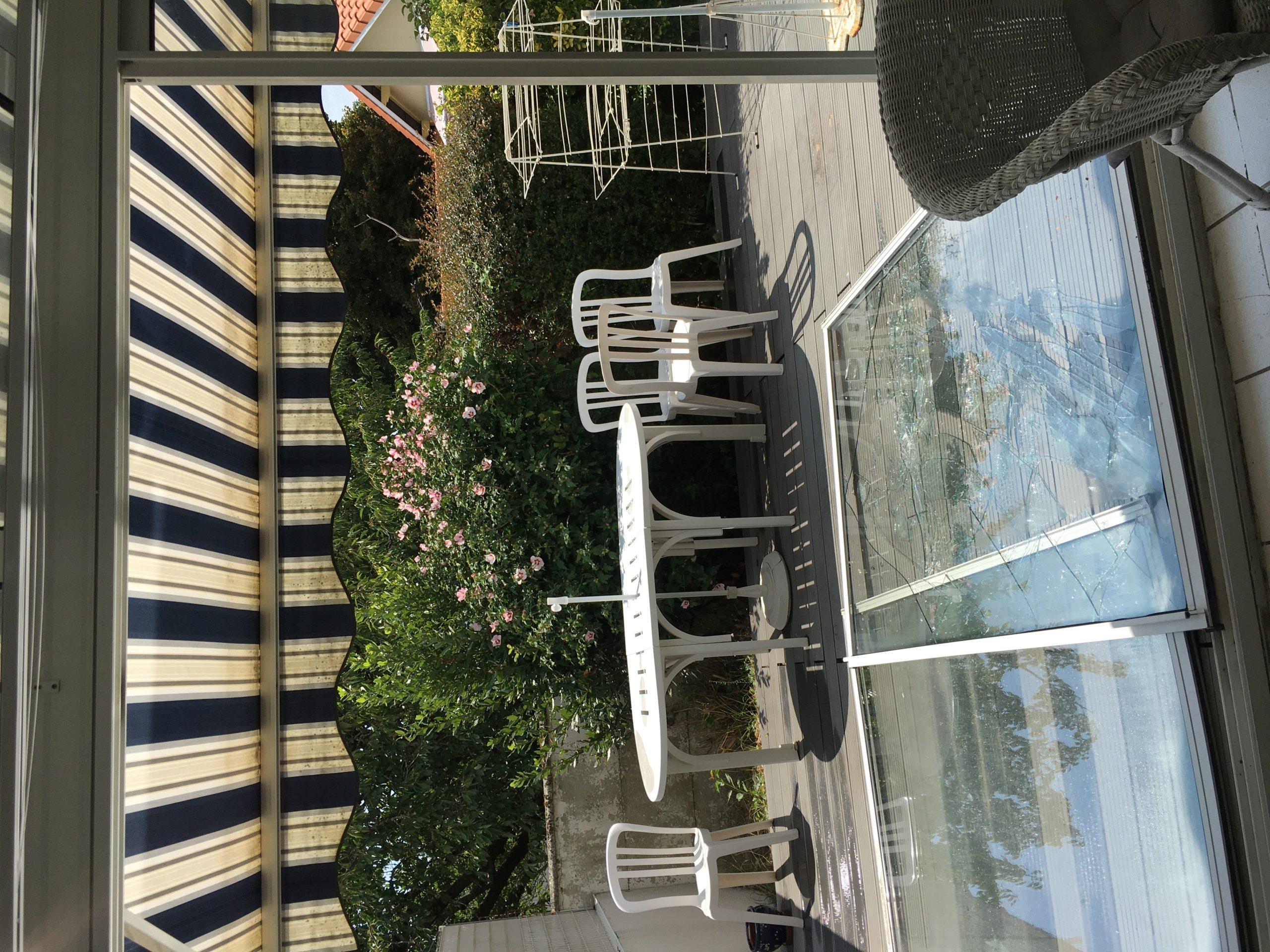 Dépannage d'une baie vitrée cassée La Rochelle