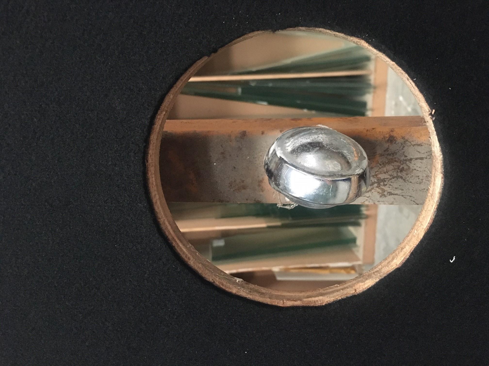 Découpe de verre sur mesure la Rochelle Table de découpe de la Miroiterie et Menuiserie d'Aunis de La Rochelle