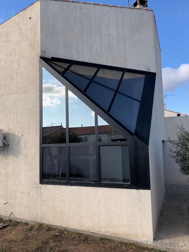 Miroiterie & Menuiserie d'Aunis Verrière d'angle diamant contemporaine La Rochelle