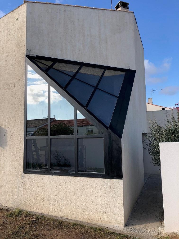 Verrière d'angle design diamant contemporaine La Rochelle