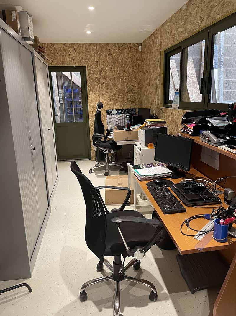 Nouveaux bureaux administratifs de la Miroiterie et Menuiseries d'Aunis dans le Parc Atlantica de La Rochelle